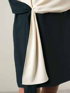 Shop Chloé draped detail dress in Vitkac from the world's best independent boutiques at farfetch.com. Over 1000 designers from 300 boutiques in one website.