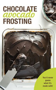 Dark Chocolate Avocado Frosting - this delicious vegan dairy free recipe takes just minutes to prepare and you'd never guess it's made with avocados. Bon Dessert, Paleo Dessert, Gluten Free Desserts, Dairy Free Recipes, Vegan Desserts, Just Desserts, Dessert Recipes, Avocado Dessert, Easy Recipes