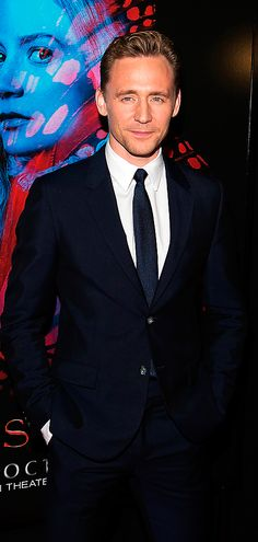 Tom Hiddleston attends  Crimson Peak New York Premiere at AMC Loews Lincoln Square on October 14, 2015 in New York City 14. Full size image: http://ww3.sinaimg.cn/large/6e14d388jw1ex1mqh3iclj21jk2bc7uf.jpg Source: Torrilla, Weibo http://www.weibo.com/1846858632/CFbDOoreX?from=page_1005051846858632_profile&wvr=6&mod=weibotime&type=comment#_rnd1444897444985