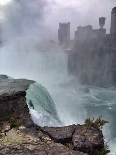 If you're planning a trip to Niagara Falls, you obviously want to stay somewhere nice. Check out the best Niagara Falls hotels so you can find a great place! Niagara Falls Hotels, Great Places, Canada, Travel, Bucket, Iphone, Viajes, Destinations, Traveling