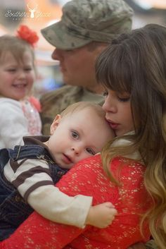 Military   Homecoming   Welcome Home Ceremony   Fort Carson, CO