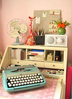 #typewriter #desk