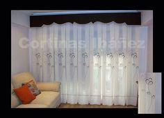 Foto: Cortina de visillo bordado y gotera con forma, confeccion tablas grandes. En Cortinas Ibáñez con más de 30 años de experiencia, disponemos de miles de tejidos que se pueden adaptar a sus necesidades, somos especialistas en Cortinajes, Goteras, Hondas, Bandos, Galerías, Estores, Japoneses, Etc. y podemos adaptarla a cualquier situación.  https://www.facebook.com/pages/Cortinajes-Ibañez/285146811496396