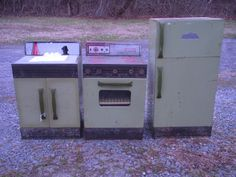 Vintage Tin Kids Wolverine Kitchen Set of 3 Child Size Stove Refrigerator Sink | eBay