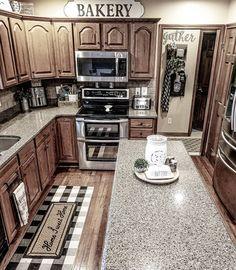 home decor themes Laura//Farmhouse Styl - Farmhouse Kitchen Decor, Home Decor Kitchen, Country Kitchen, Home Kitchens, Kitchen Design, Farmhouse Ideas, Kitchen Sink, Western Kitchen, Kitchen Decor Themes