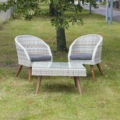 Rottinkituoli ja pöytä Outdoor Chairs, Outdoor Furniture, Outdoor Decor, Home Decor, Decoration Home, Room Decor, Garden Chairs, Home Interior Design, Backyard Furniture
