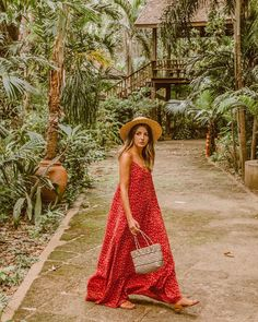 Keeping an eye out in our Amina Maxi Dress... Never know when some weird bug's gonna sneak on you 🕷 🐞 @lovelypepacollection
