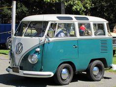 "Shortened VW bus (Type II) accepts ""Worst in Show"" at Concours d'LeMons. This VW bus can do wheelies. Volkswagen Bus, Vw T1, Kombi Hippie, Vw Minibus, Classic Campers, Cool Vans, Unique Cars, Custom Vans, Cute Cars"