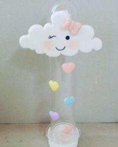 lembrancinhas para tema chuva de amor Princess Birthday, Baby Birthday, Birthday Parties, Felt Crafts, Diy And Crafts, Cloud Party, Mesas Para Baby Shower, Cloud Craft, Baby Shawer