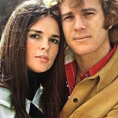 Ali MacGraw Ryan o neal, Visual inspiration for Hal and Olivia Iconic Movies, Old Movies, Ali Macgraw Love Story, Love Story Movie, Ryan O'neal, Old Movie Stars, Woman Movie, Iconic Women, Classic Films