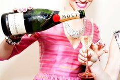 Moet and Chandon - My favorite Champagne! Mmmmmmm, it's a once a year kind of champagne Moet Chandon, Happy Weekend, Happy New Year, Happy Hour, Bash, New Years Eve, Love Food, Party Time, Party Party
