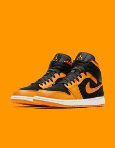 """Nike air jordan 1 """"orange peel"""" my swagger jagger nike shoes Popular Sneakers, Best Sneakers, Sneakers Nike, Orange Sneakers, Orange Shoes, Jordan Retro 1, Jordan 1 Orange, Jordan Shoes Online, Air Jordan Sneakers"""