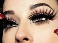 Great - Big eyelashes @eyelashmag #superbiglashes