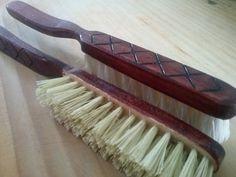 Cepillo de madera hechos a mano con cerdas de lechuguilla o henequen (a elegir) para bigote.