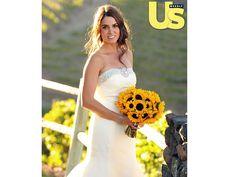 Nikki Reed, atriz da saga Crepúsculo, escolheu um bouquet de noiva de girassol para seu casamento no campo. Lindo, não?