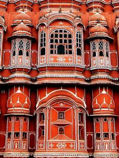 ॐ Hava Mahal (meaning the Palace of Winds) Grand Hindu Palace architecture in Jaipur, India. The hundred of windows provide natural ventilation deep into the Indian palace- Hindu architecture 卐