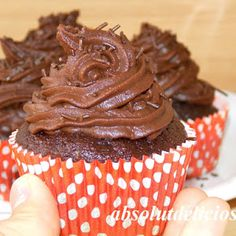 I have a wonderful recipe for you: chocolate cupcakes. I have to tell you that I'm a chocolate lover myself and I've tested quite a few chocolate recipes… Chocolate Cupcakes, Chocolate Recipes, Cupcake Videos, Chocolate Lovers, Food Videos, Cooking Recipes, Baking, Desserts, Kitchen