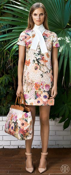 Accessorize bold botanicals with… more bold botanicals | Tory Burch Resort 2014