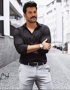 Burak Özcivit Turkish Men, Turkish Beauty, Turkish Actors, Beautiful Men Faces, Beautiful Girl Image, Gorgeous Men, Blazer Fashion, Mens Fashion, Stylish Men