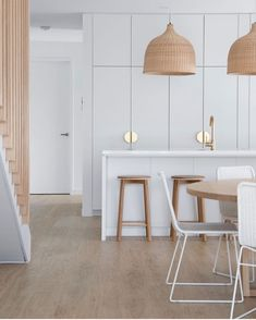 Minimalist House Design, Minimalist Home, Beach House Kitchens, Home Kitchens, Reno, Updated Kitchen, Kitchen Furniture, Home Interior Design, Home And Living