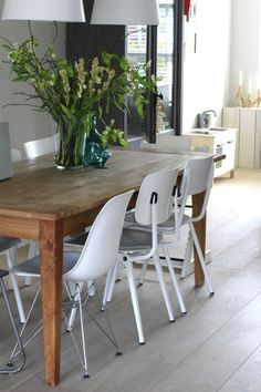 Mix Match Chairs Dining Room Luxury Mixing & Matching Chairs at Your Dining Room Table Interior Design Living Room Warm, Dining Room Design, Living Room Kitchen, My Living Room, Estudio Mcgee, Dining Room Table Chairs, Dining Rooms, Dining Area, Dining Room Inspiration