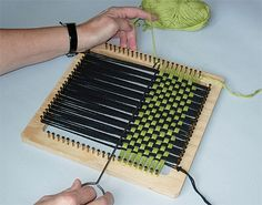 Talapp-3, trollväv Sewing School, Knit Basket, Christmas Tree Toy, Textiles, Christmas Knitting, Loom Knitting, School Projects, Pot Holders, Knit Crochet
