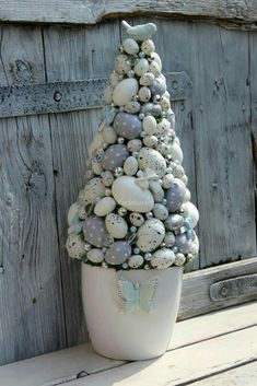 Easter Tree, Easter Wreaths, Easter Bunny, Christmas Diy, Christmas Decorations, Easter Parade, Easter Crafts, Easter Ideas, Egg Tree