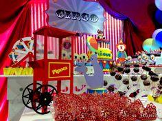Circus party - popcorn vintage cart