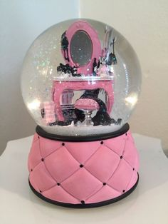 "SANKYO RARE SNOW GLOBE PLAYS ""LA VIE EN ROSE"" VICTORIA'S SECRET"