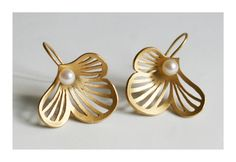 "Small Earrings – ""Flourish""gold plated 925 Silver pearl earrings – a unique product by dkjewellery on DaWanda"