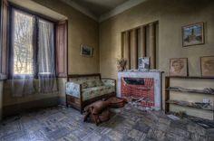 Living room and old Memory | 相片擁有者 salva57d