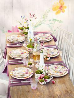 Mooi gedekte tafel no se que festividad es pero me gusta el armado y el colorido de la mesa