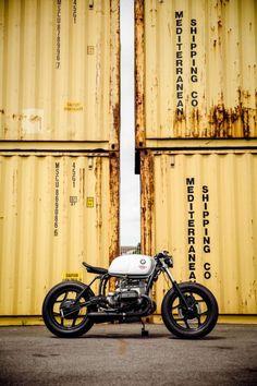 Cafe racer r Modern Cafe Racer, Custom Cafe Racer, Cafe Racer Motorcycle, Cafe Racer Bikes, Cafe Racers, Bmw Motorcycles, Custom Motorcycles, Custom Bikes, Vintage Helmet