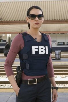 Over 2,000 women serve as FBI Special Agents, many in high profile, and leadership positions. Female Special Agents are critical members of the FBI team. They contribute unique and important outlooks, experiences, and skills. In many cases, women possess different social skills, approach problems differently, and have different talents and abilities than men. http://www.freefunlinks.com/amazing-pictures/job-at-the-fbi-a-crazy-story/3447.html    https://www.fbijobs.gov/115.asp