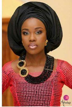 Attaché foulard ~African fashion, Ankara, kitenge, African women dresses, African prints, Braids, Nigerian wedding, Ghanaian fashion, African wedding ~DKK