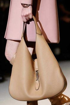 Gucci ~ Leather Shopper, Camel