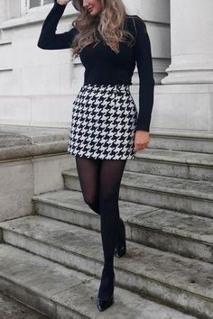 Winter Fashion Outfits, Look Fashion, Skirt Fashion, Plaid Fall Outfits, Winter Outfits With Skirts, Fall Office Outfits, Office Outfits Women, Fall Skirts, Skirts In The Winter