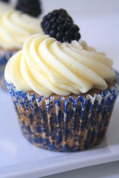 Blackberry Cupcakes, could do blueberries with a cream cheese frosting and lemon curd cupcake. Blackberry Cupcakes, Yummy Cupcakes, Blackberry Recipes, Fancy Cakes, Mini Cakes, Cupcake Cakes, Cupcake Recipes, Baking Recipes, Dessert Recipes