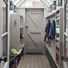 mud room lean to side return ideas Orangerie Extension, Porch Extension, Sas Entree, Boot Room Utility, Lean To Conservatory, Side Return Extension, Side Porch, Front Porch, Vestibule