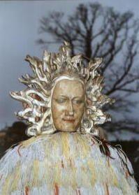 Perchta - de Stralende, de Zon. Verwantschap met Medusa...?