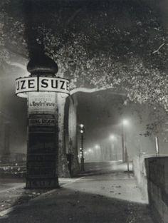 Nicolas Yantchevsky, Colonne Morris la nuit, Paris, c1954-1956