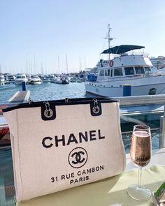 Chanel Backpack, Chanel Purse, Luxury Purses, Luxury Bags, Dior Handbags, Vintage Handbags, Replica Handbags, Fashion Bags, Tote Bag