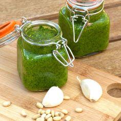 raw vegan pesto sauce