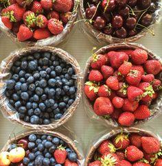 Jean-Talon Market's Discoveries | Les découvertes du marché Jean-Talon - PROJET PASTEL Strawberry, Pastel, Food, Jeans Heels, Fruits And Veggies, Walking, Cake, Essen, Strawberry Fruit