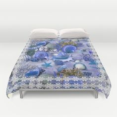 """Healing Seashells With Lace Duvet Cover / Queen: 88"""" x 88"""""""