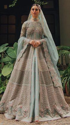 Pakistani Fashion Party Wear, Pakistani Wedding Outfits, Pakistani Bridal Dresses, Pakistani Dress Design, Walima Dress, Indian Fashion, Women's Fashion, Latest Bridal Dresses, Desi Wedding Dresses