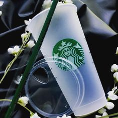 NEW Starbucks Reusable Frosted Venti Cup plastic Drink Cup with Lid & Straw Starbucks Christmas, Starbucks Gift Card, Starbucks Tumbler, Starbucks Reserve, Reusable Cup, Candy Skulls, Fall 2018, Sharpie, Coffee Cups