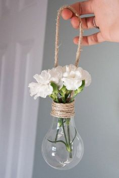 ▷ 1001 + ideas on how to make crafts to decorate your home - Hanging decoration, bulb vase with rope, recycled crafts - Diy Crafts For Home Decor, Diy Crafts To Do, Rope Crafts, Diy Crafts Hacks, Recycled Crafts, Diy Room Decor, Diys, Light Bulb Crafts, Popsicle Crafts