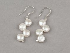 There are so many beautiful pearl earrings in the series of jewelry 2013.