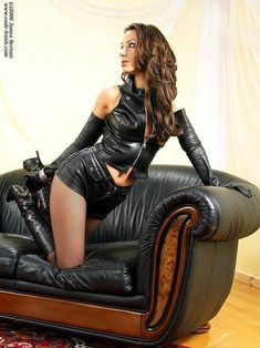 Leather Shorts, Leather Gloves, Sexy Women, Boots, Black, Dresses, Woman, Fashion, Leather